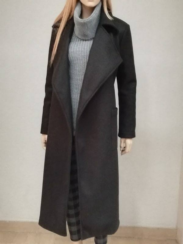 new product 0323b 63e92 Cappotto Nero lungo PLEASE **ESAURITO**