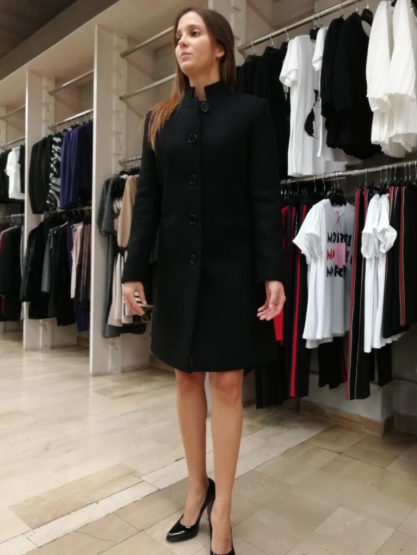 Rinascimento cappotto nero Rinascimento cappotto nero Rinascimento cappotto  nero ... c6f640dd572